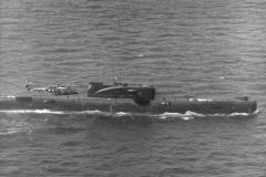 Lynx-helikopter overvåger sovjetisk ubåd